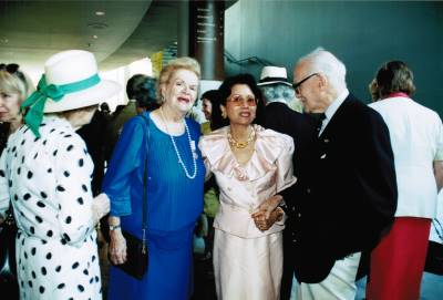 <span class='aslide1'>Maureen Forrester with Nicholas Goldschmidt and Conchita Tan-Willman</span>